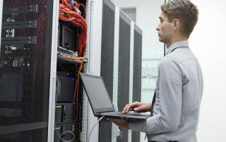 Serverraum Wartung